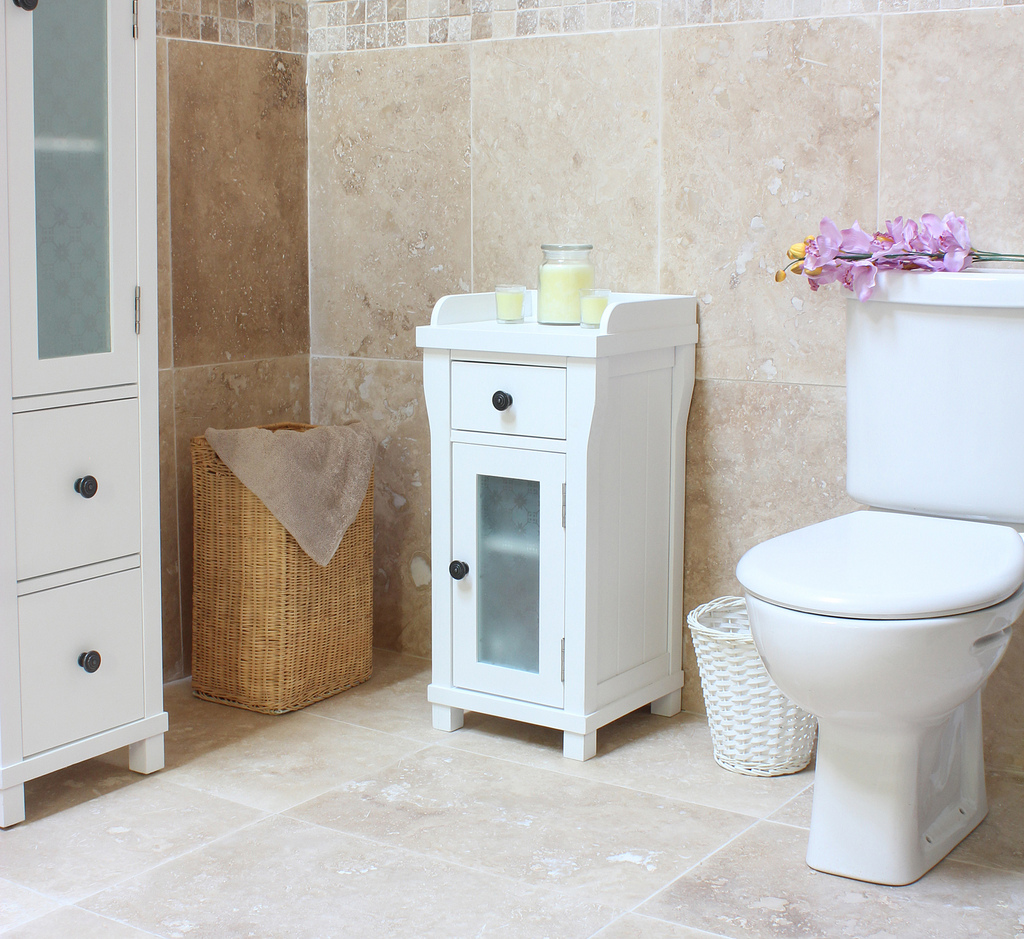 6 Ideas To Make Your Small Bathroom Look Ger