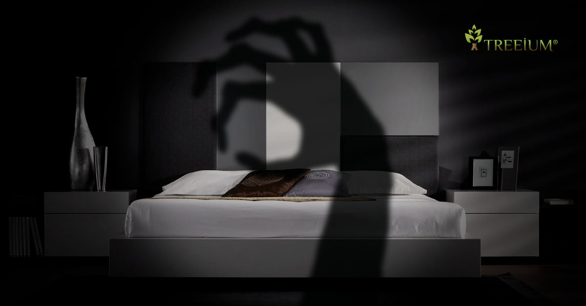 blog post | 5 telling signs that you're sleeping in a creepy bedroom